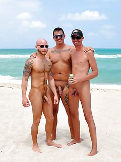 Gay Beach Pics